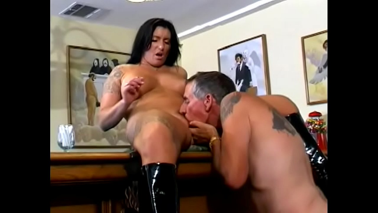 Making Out While Fucking