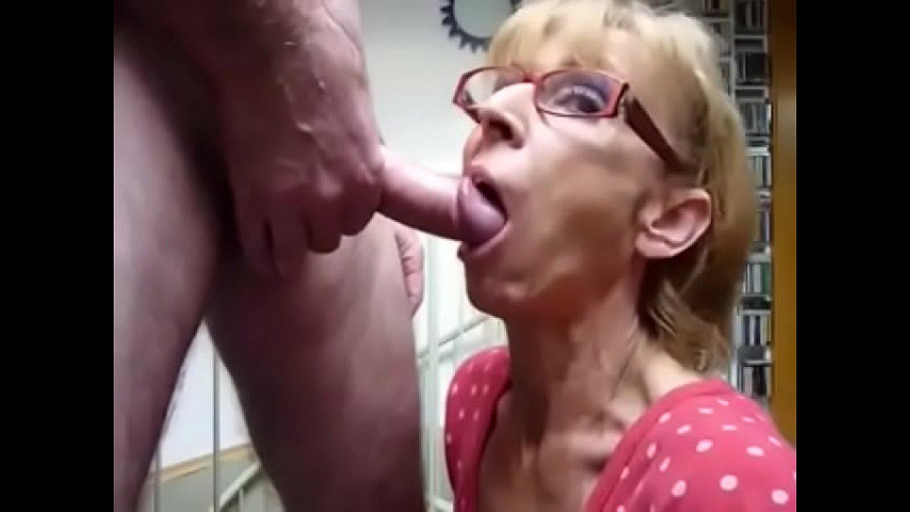 Amateur Tinder Slut Blowjob