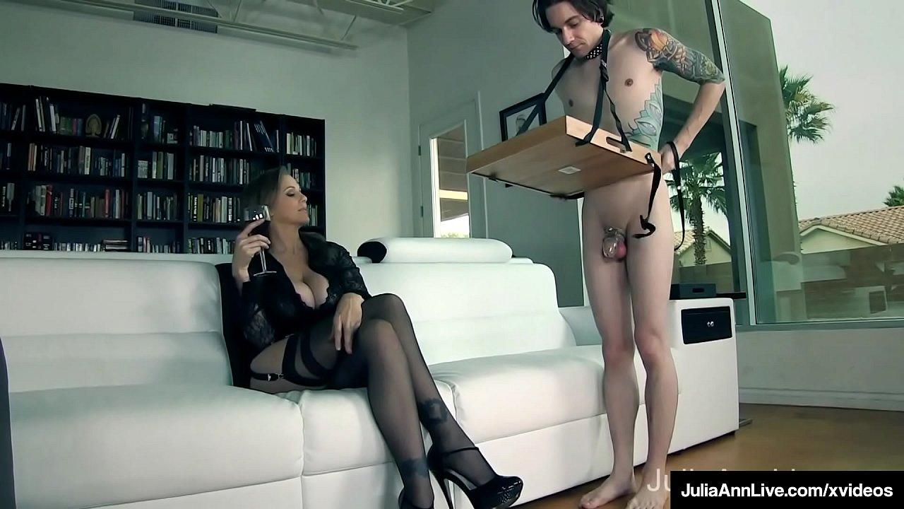 Sitting Dom Milf Julia Ann Tells Collared Boy Toy To Eat Pussy!