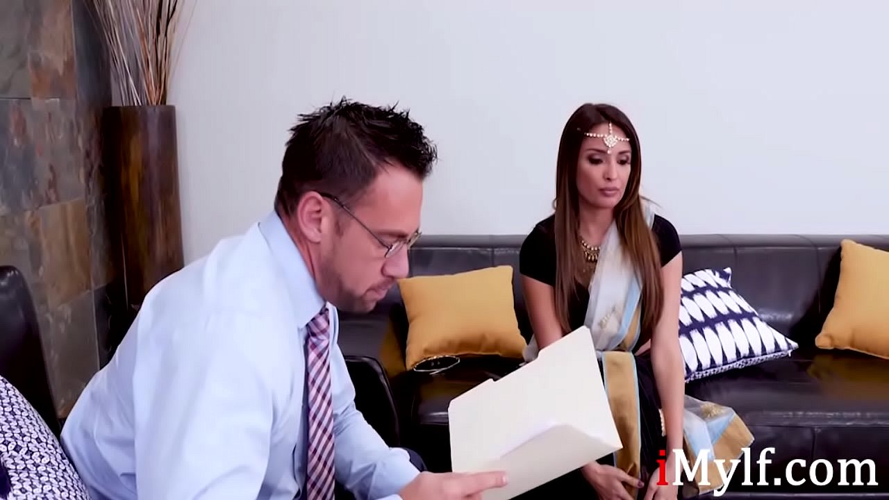 Inexperienced Indian Mylf Gets Some Sex Counseling- Anissa Kate