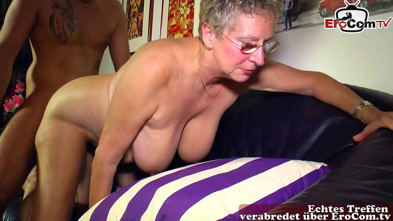 Alte Dame fickt jungen Mann