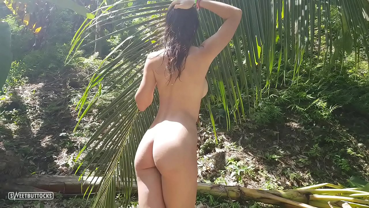 Naked girls in a jungle A Naked Girl Is Photographed In The Wild Jungle Of The Amazon Xvideos Com