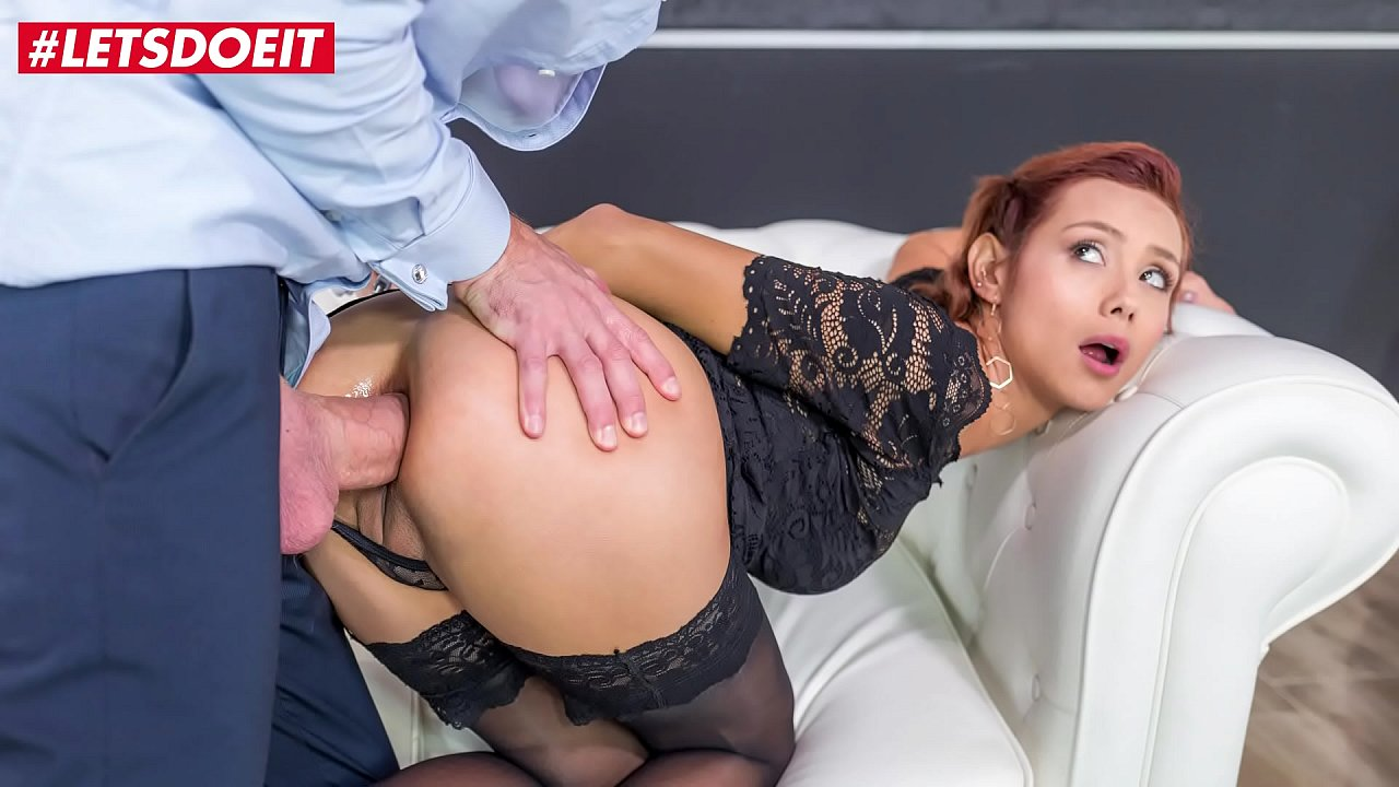 Latina Lets Me Fuck Her