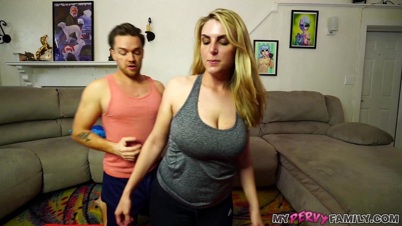 Fucking Big Tit Mom Car