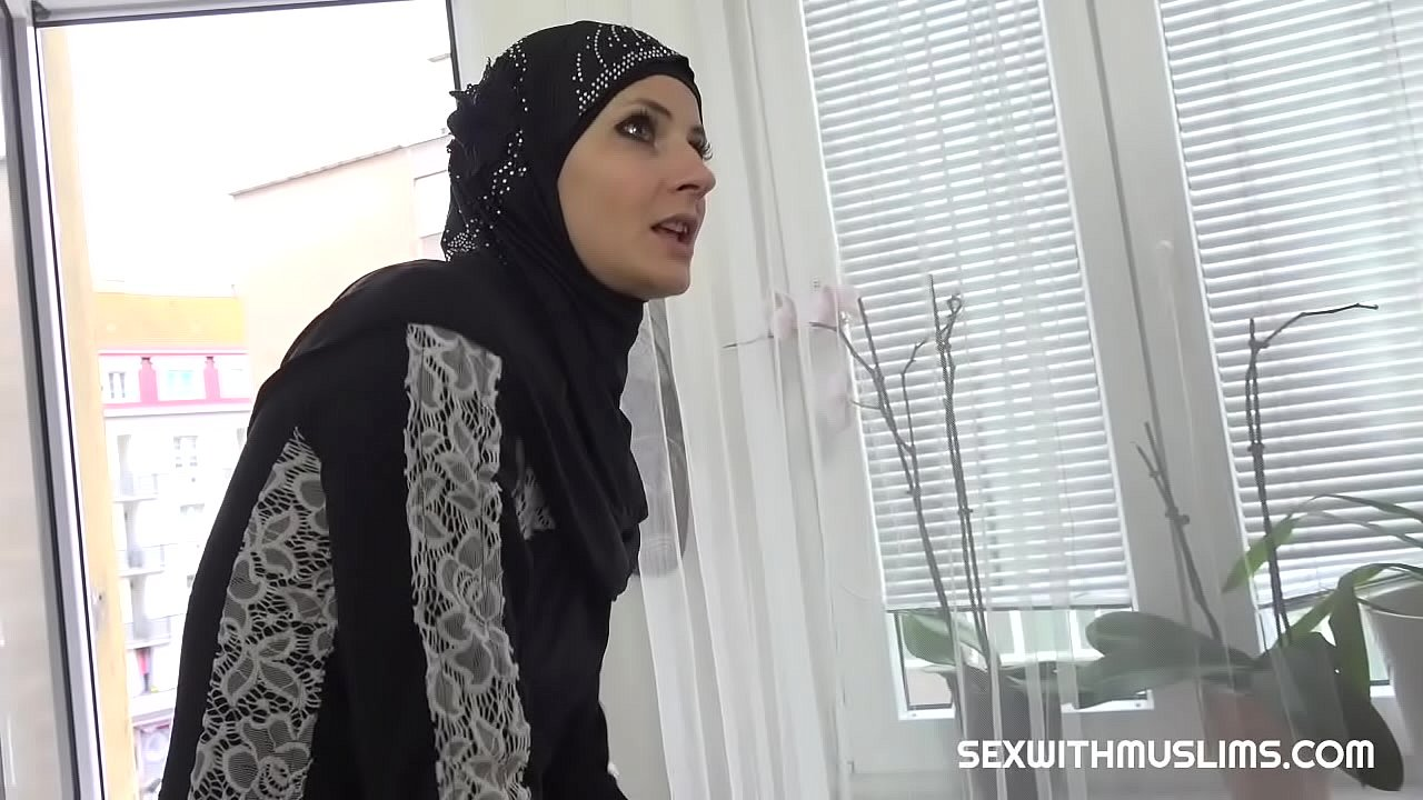 Hot Muslim woman gets great pussy fuck  thumbnail