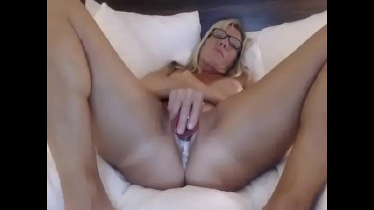 Big Tit Milf Jerks Me Off