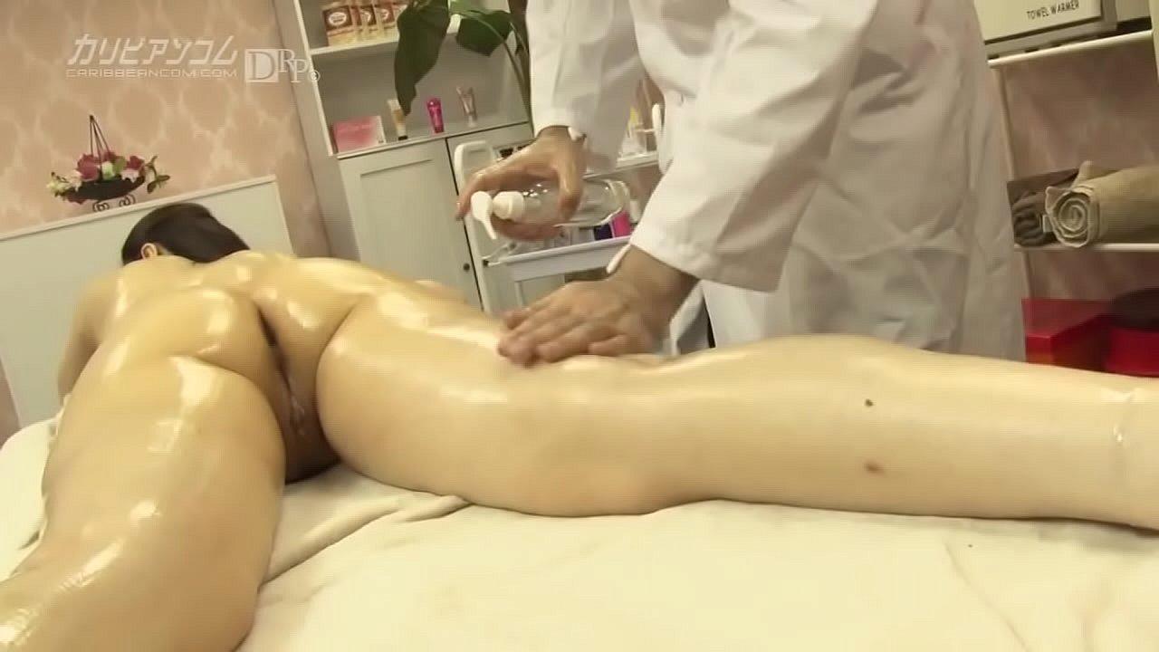 セレブ婦人大橋ひとみさんが、とあるエステの噂を聞きつけて入店。 2  thumbnail
