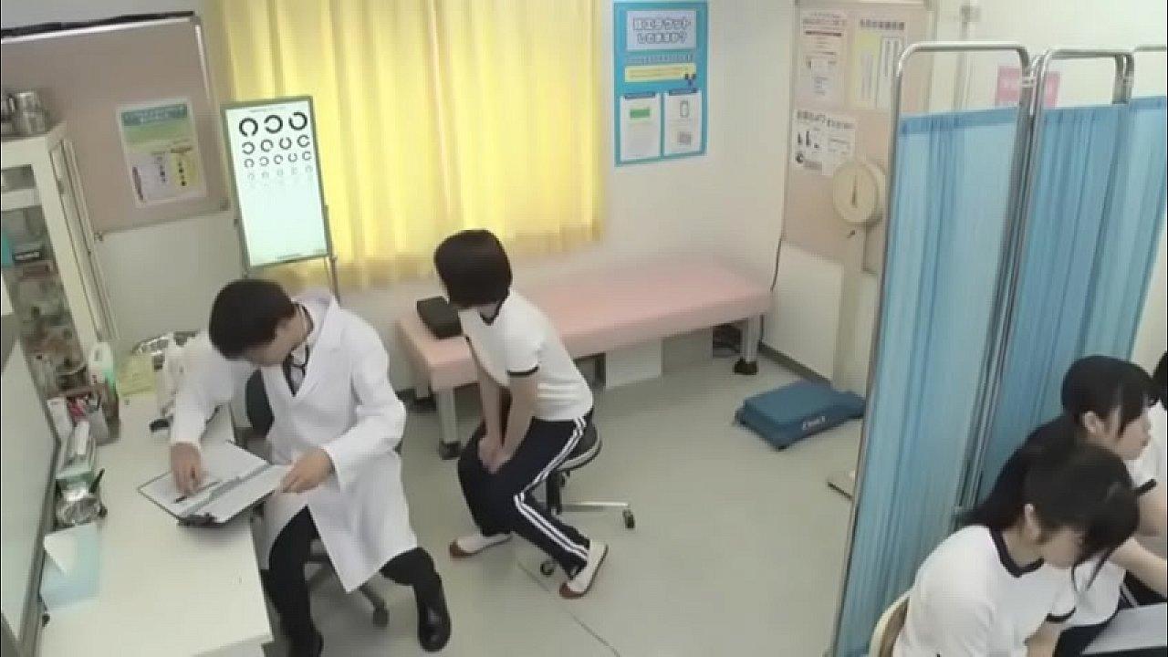 quay lén phòng khám phụ khoa cho nữ sinh