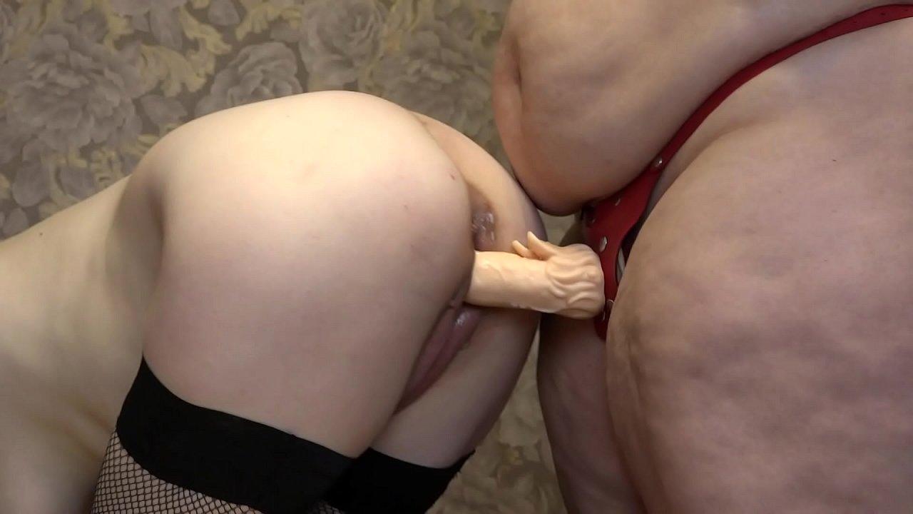 Big Tits Lesbian Anal Fisting