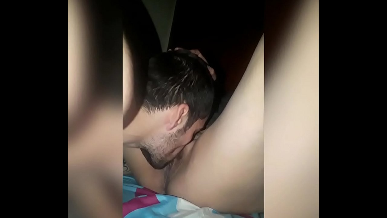 Chupando La Vagina para recibir buena montada en la verga
