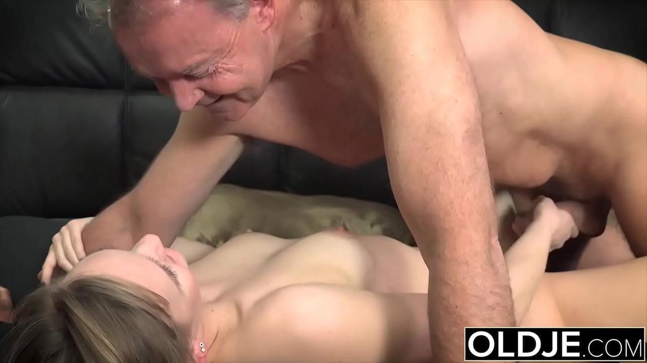 Hot Teen Blowjob Cum Mouth