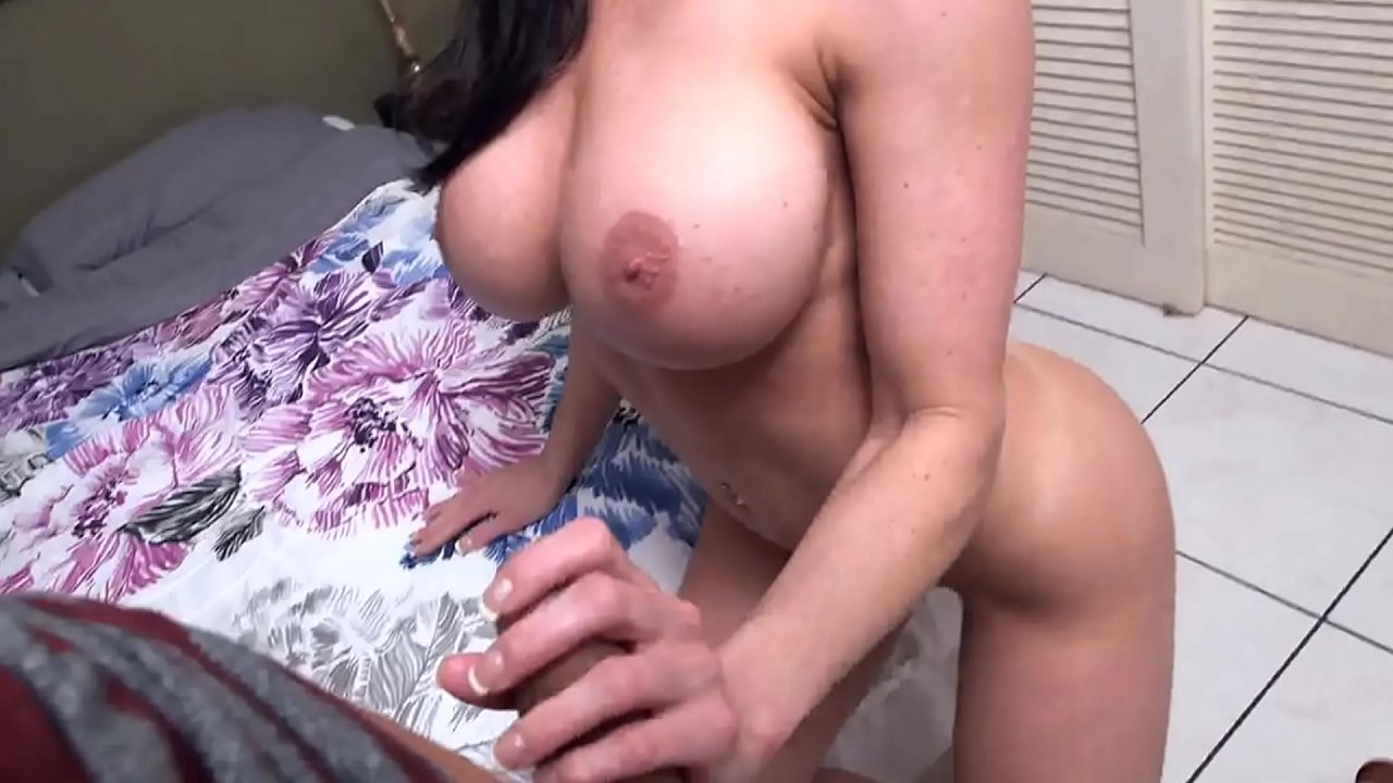 Step Sister Fucked Front Mom