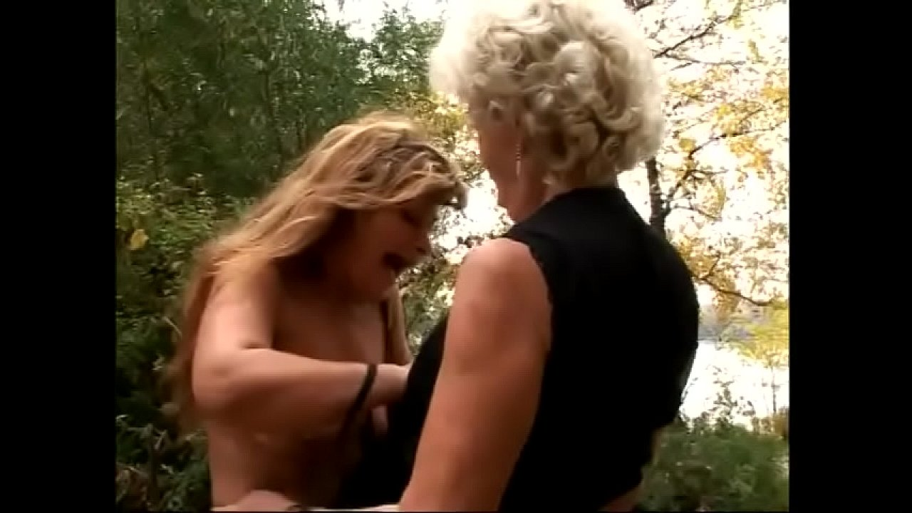 Slutty look grannies loves to get experiment in the field