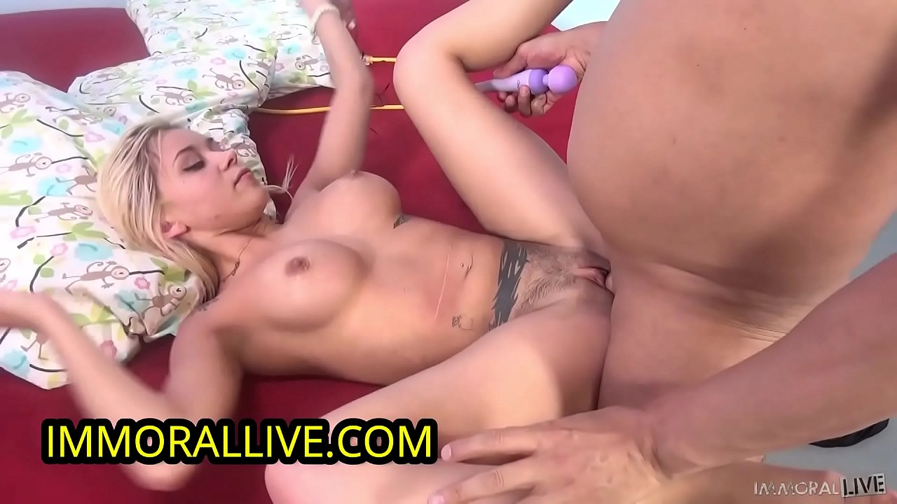 Anal Squirt Threesome Creampie