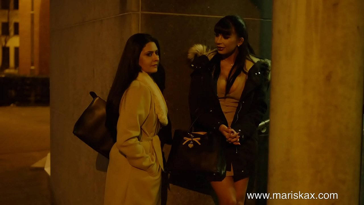 MARISKAX Mariska and Valentina share two big dicks