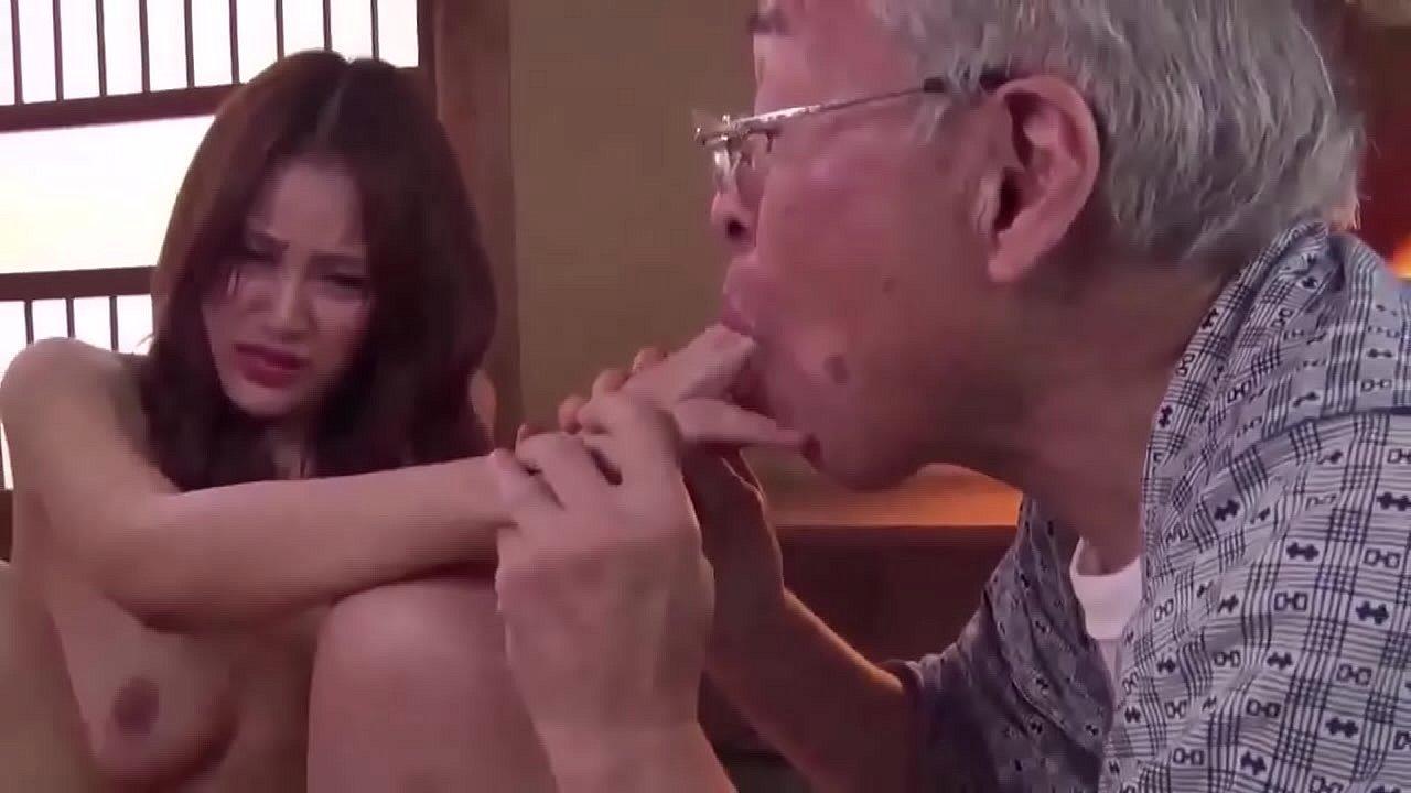 หนังavเกาหลี ชายแก่สุดเงี่ยน tuk tuk pro จับสาวน้อยมาเย็ดหี นมใหญ่