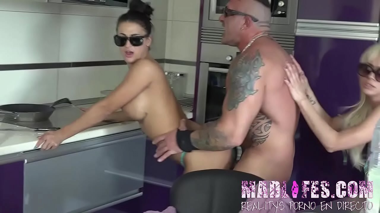 Ayesa First Dates Porno after the jacuzzi, they are horny again! - xvideos