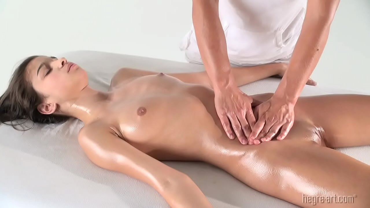 Desconfianza Marquesina Conmemorativo  Nika Nikola - First Erotic Massage - XVIDEOS.COM