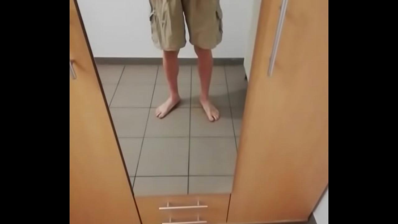 GASTE85, piss in pants
