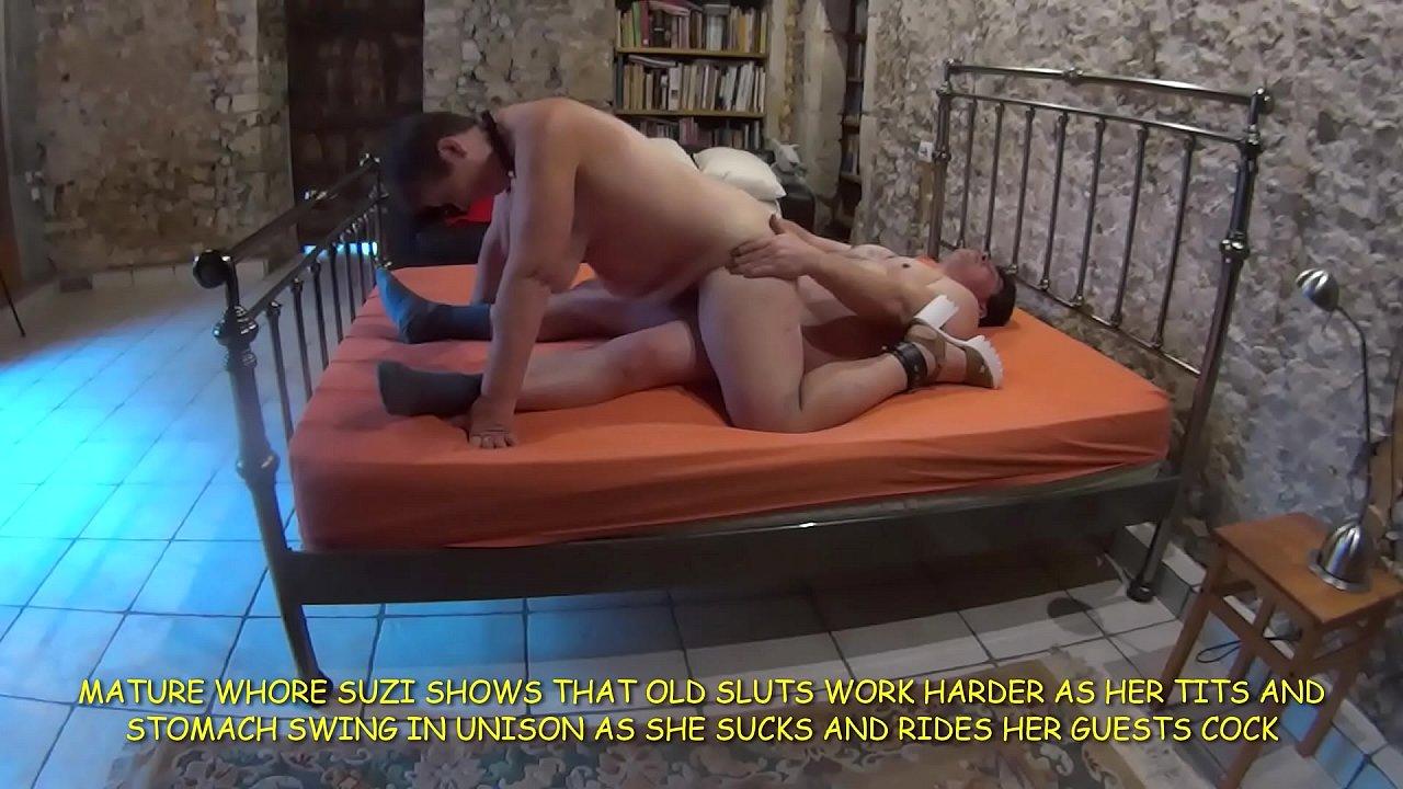 Suzi's tits swinging