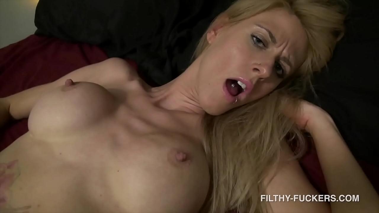 Seduces Her Stepbro Bounces Her Big Ass On His Hard Dick