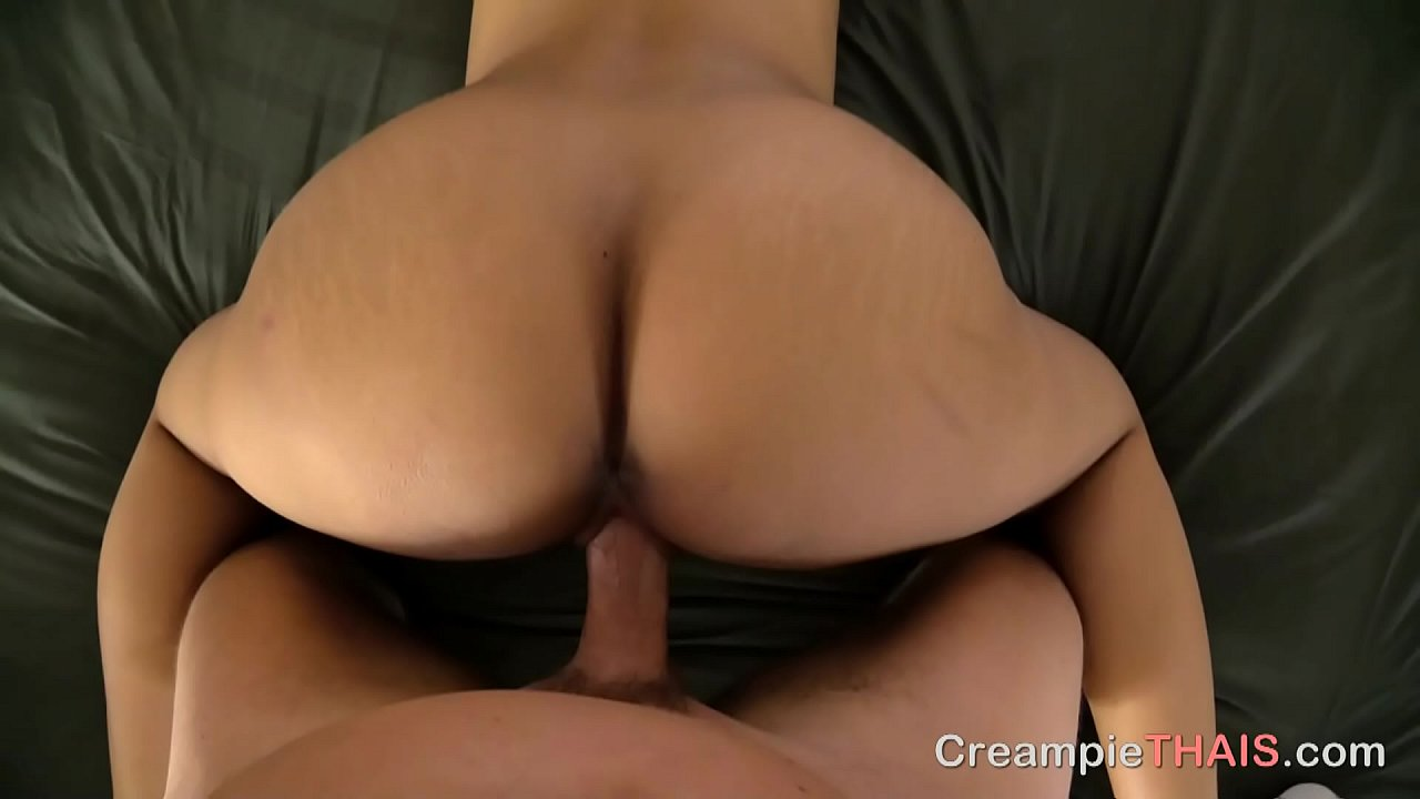 Creampie While She Squirts