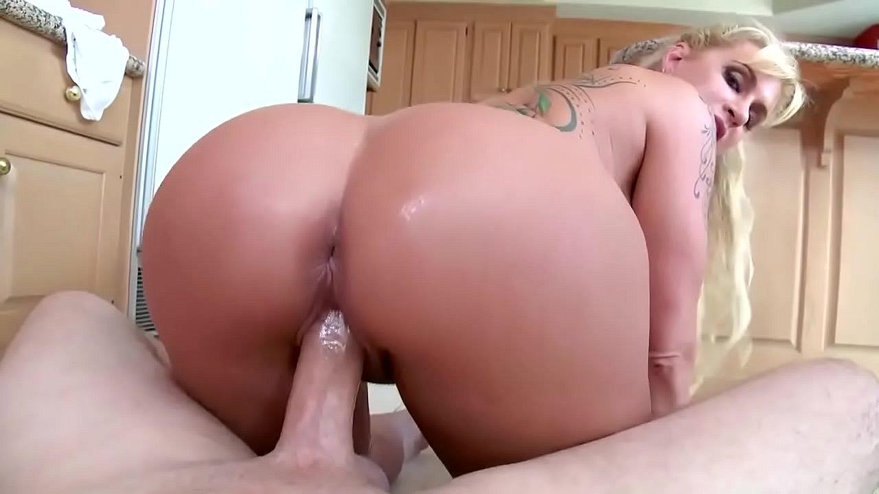 Amateur Ass Bouncing Dick