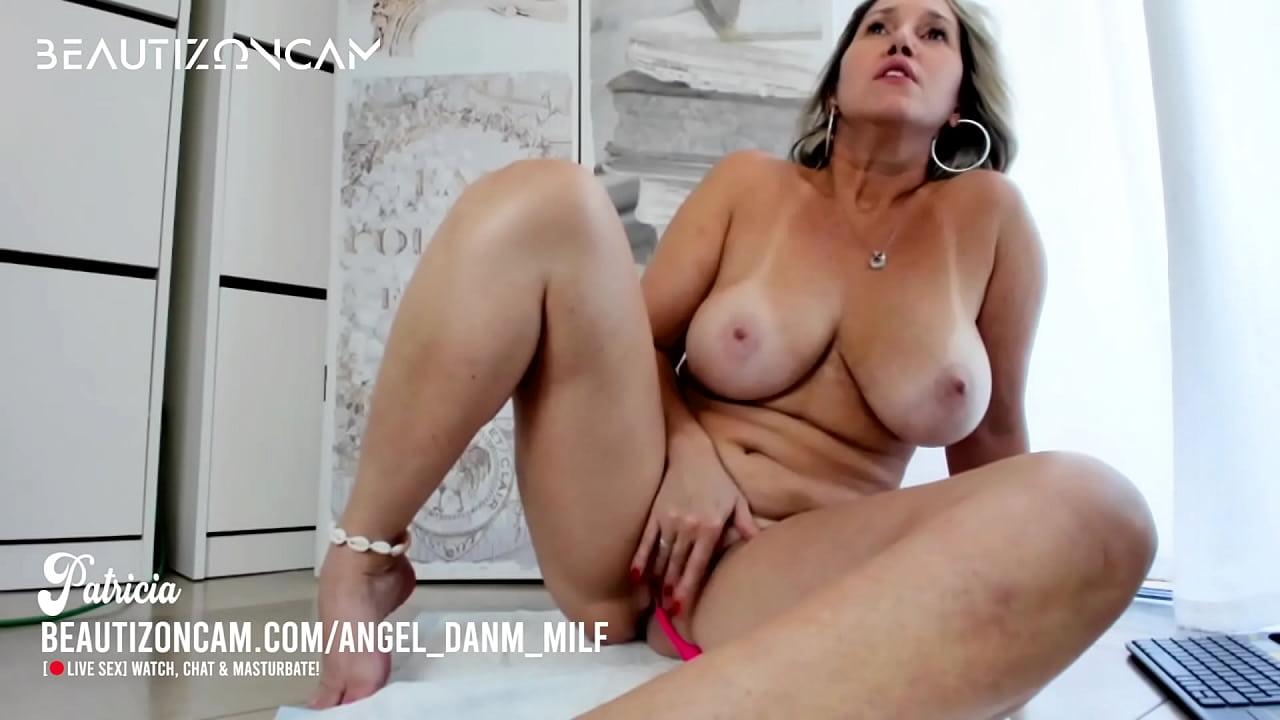 Blonde Babe Big Tits Amateur