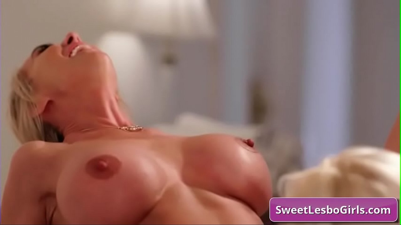 Pussy Eating Legs Shaking