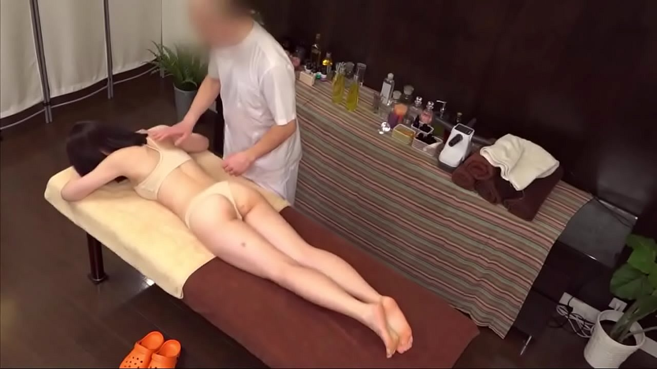 【Voyeur】I thought it was a normal massage or stretching …4