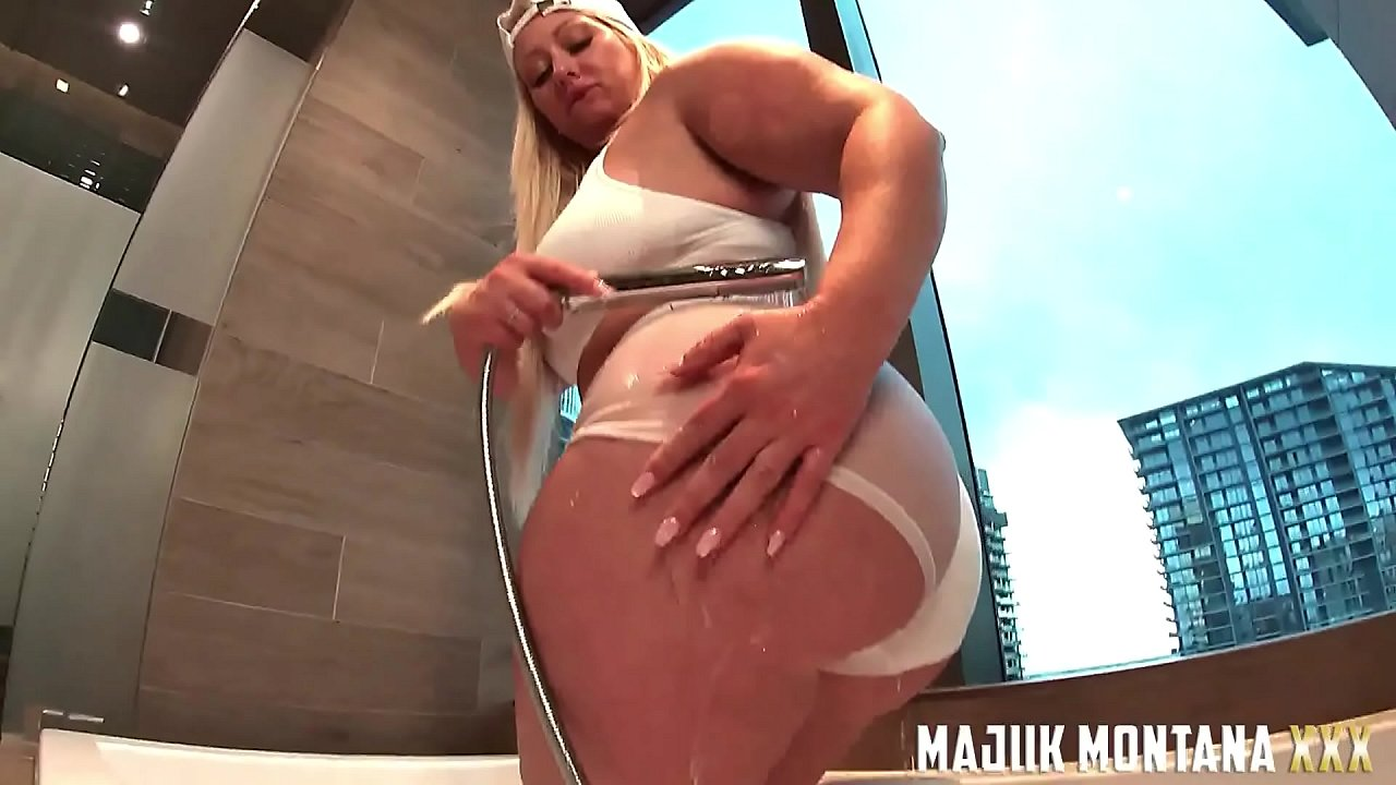 Majiik Montana Gets the Sloppiest Blowjob and Fucks Big Booty PAWG Mz Dani Doggystyle POV (PREVIEW)  thumbnail