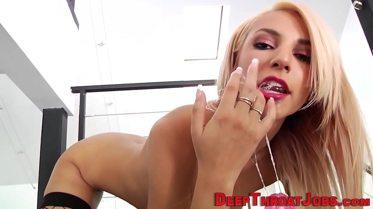 Teen Slut Sucks