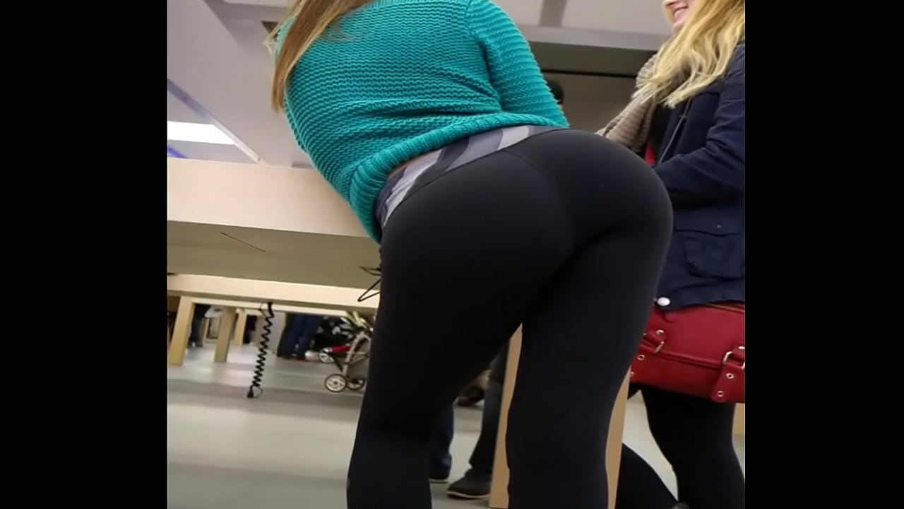 Teen Showing Off Ass Solo