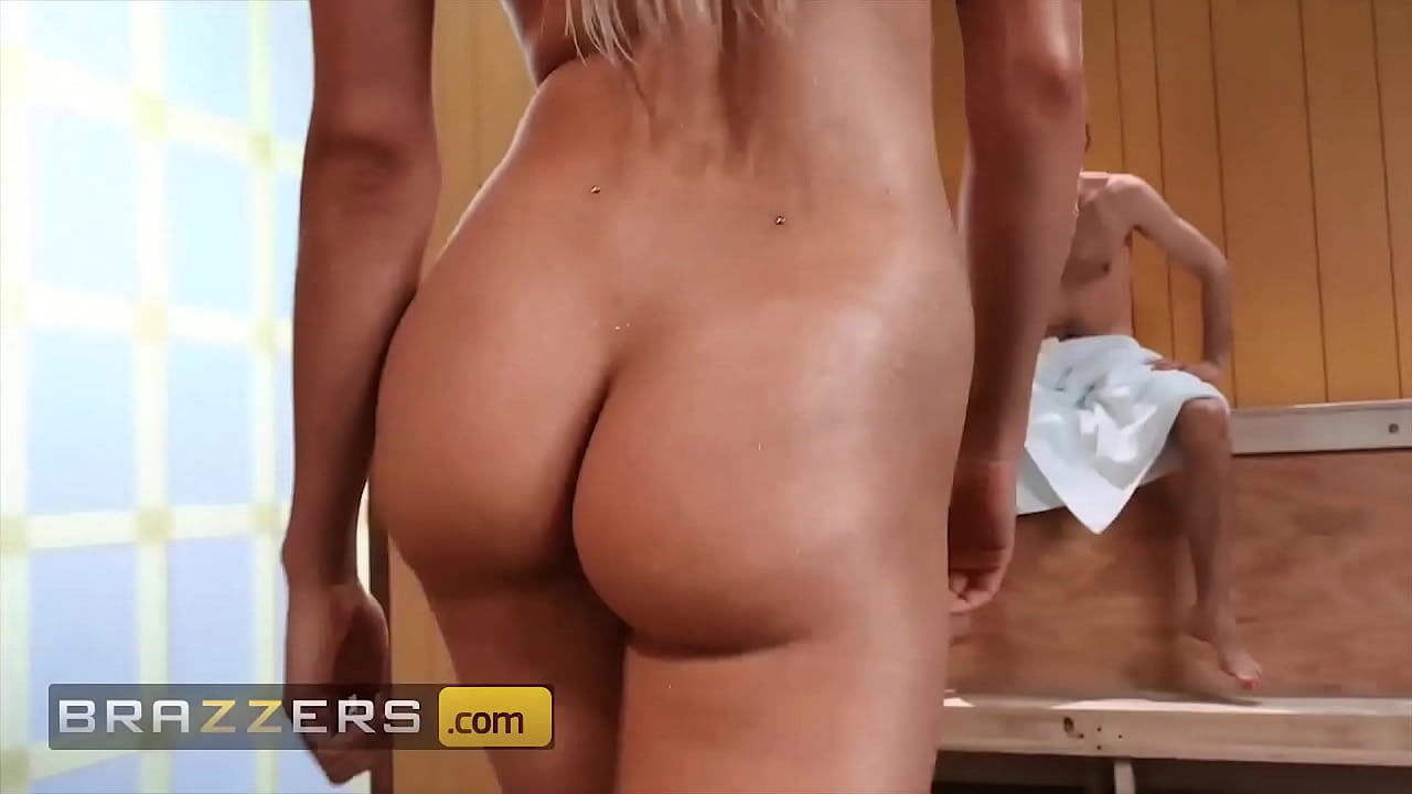 Hung Dude Bones 3 Sexy Babes (piper Perri, Elsa Jean, Alaina Dawson) - Brazzers  - 10
