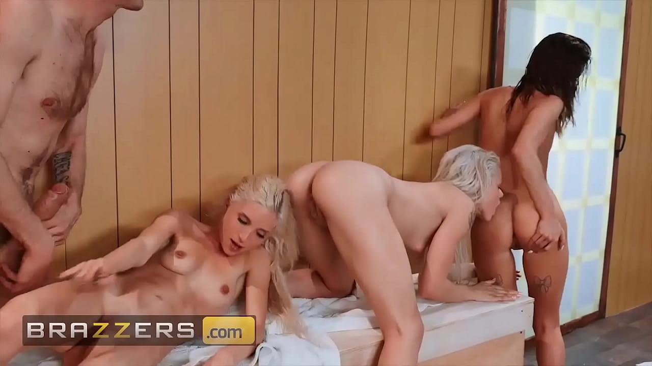 Hung Dude Bones 3 Sexy Babes (piper Perri, Elsa Jean, Alaina Dawson) - Brazzers  - 25