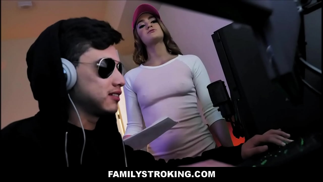 "Teen Stepsister Kenzie Madison Family Sex With Stepbrother Juan ""El Caballo"" Loco While He Plays Video Games  thumbnail"