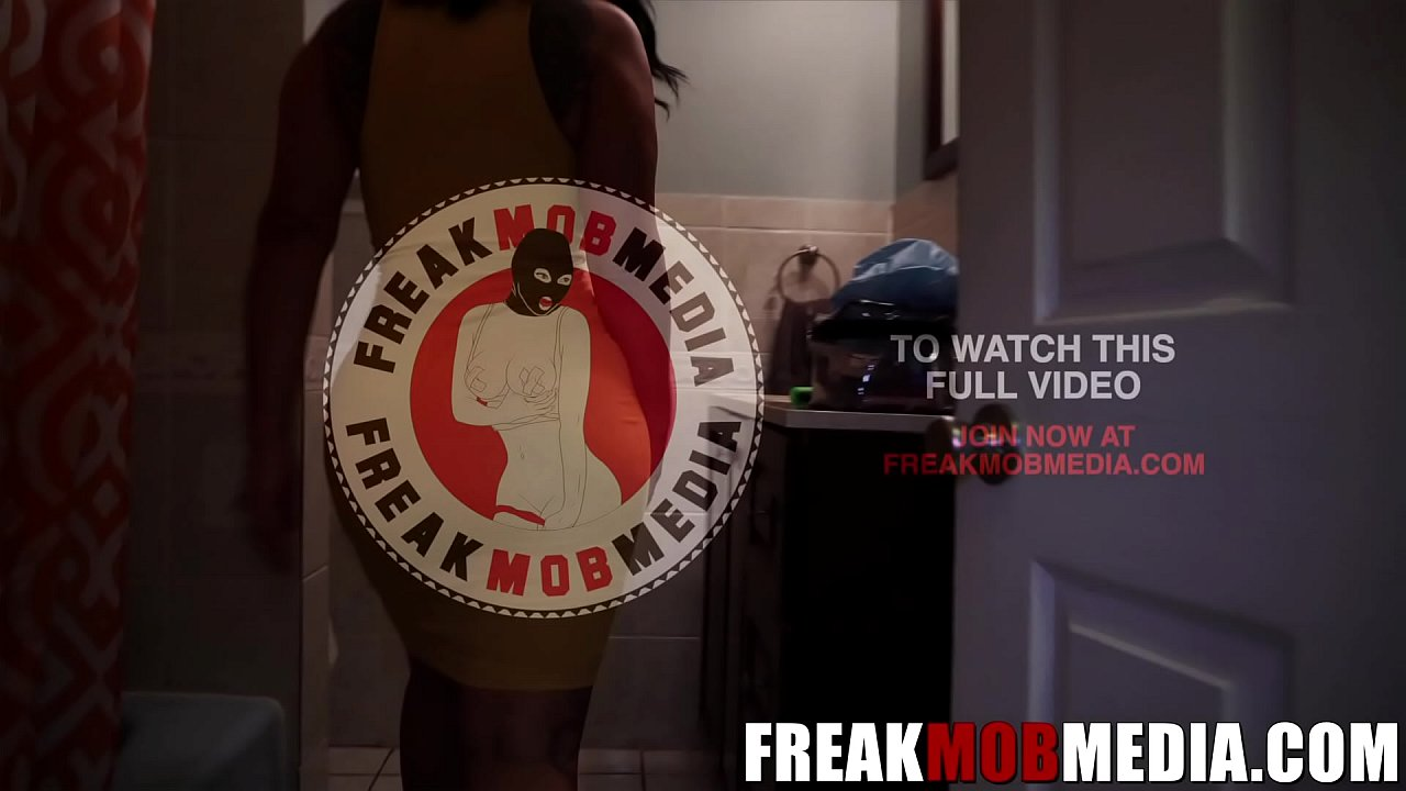 FREAKMob Media- Queen Rogue Fucked her stepson in the shower