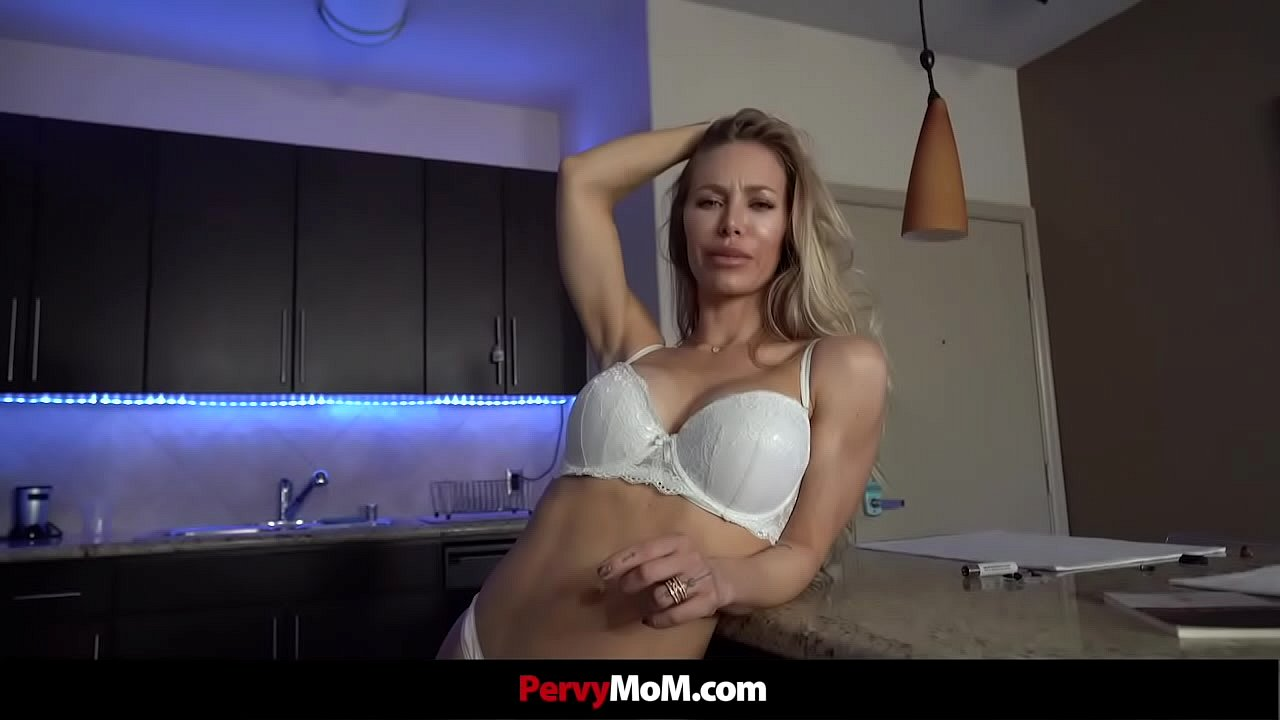 Hot Blonde Stepmom Fucks Her Stepson While His Dad Is Gone  thumbnail