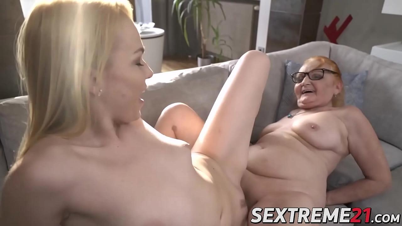 Lesbian Best Friend Eats Pussy
