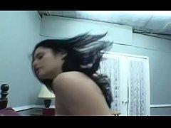 Pair provides facesitting porn scenes in home c...