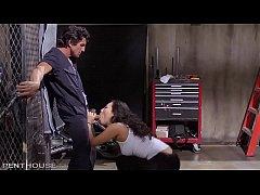 Asa Akira craves Tommy Gunn's expert service.