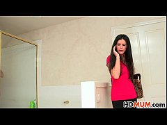 Hope Howell invites her Mom India Summer to fuc...