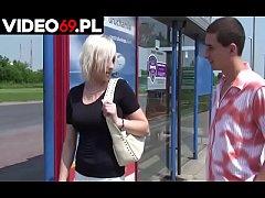 Polskie porno - Chamska propozycja dla mamu\u015bki ...