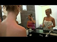 Lesbian Camgirls Play With Each Other On Camste...