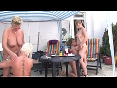 Free Version - Mom take me with you I want to b...