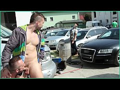 GAYWIRE - Muscle Man Fucked In The Ass Out In P...