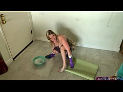 Stepmom gets fucked while cleaning the floor - ...