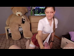 Amateur Fit Girl in Short Skirt Reverse Cowgirl...