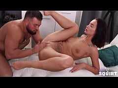 Hung fellow fucks svelte GF and drives her to s...
