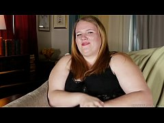 Super sexy chubby honey talks dirty and fucks h...